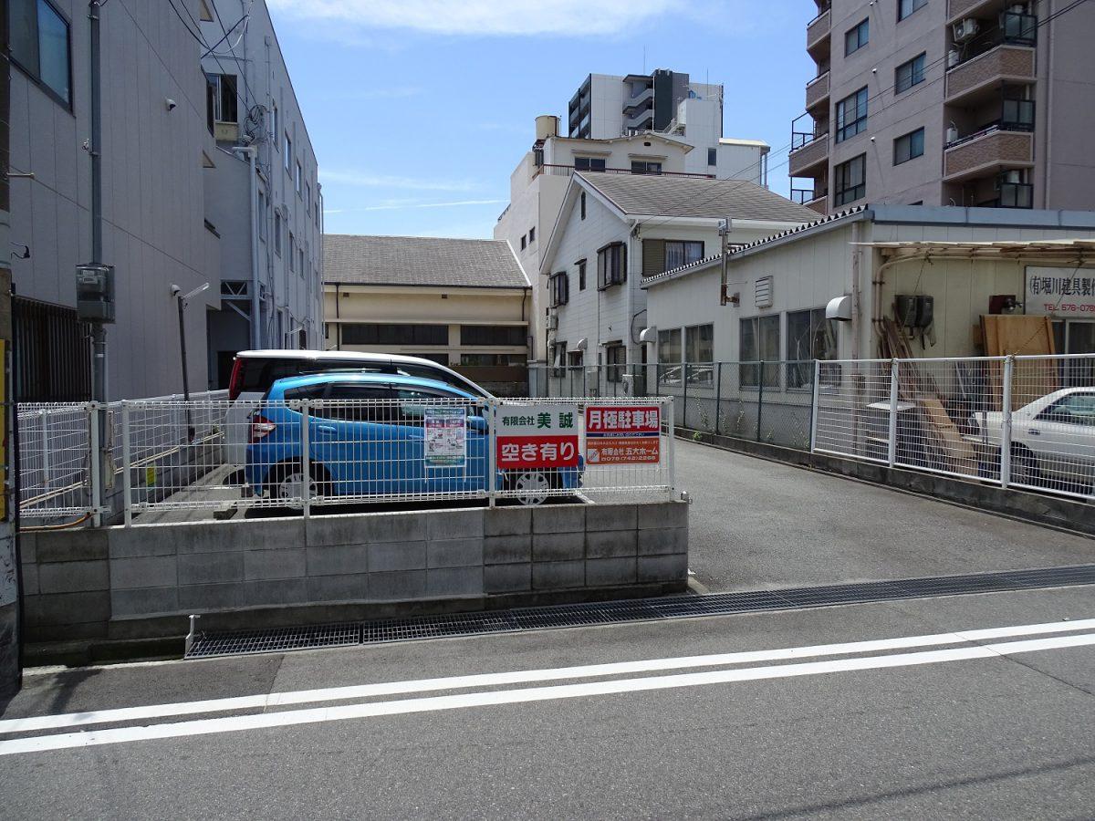神戸市兵庫区塚本通4丁目 月極駐車場