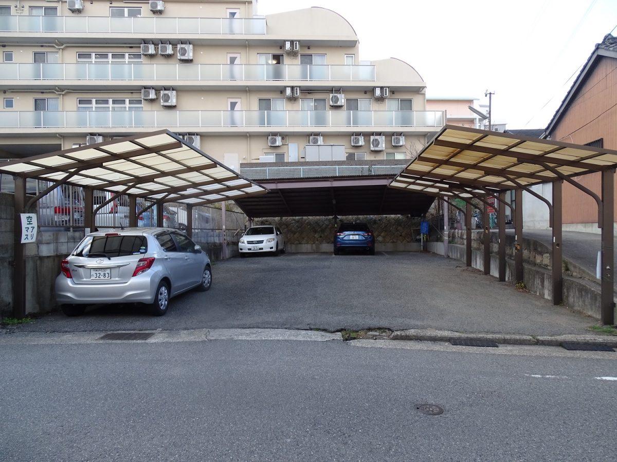 神戸市兵庫区菊水町10丁目 月極駐車場 屋根付き